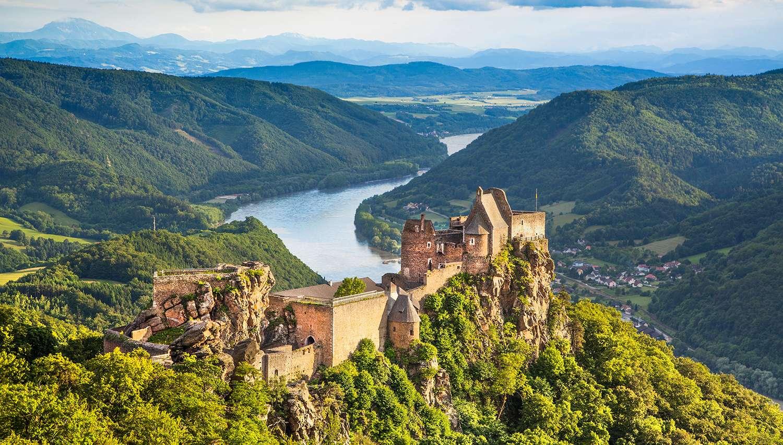 3 день. Долина Вахау (Дюрнштайн, аббатство Мельк). Экскурсия по Зальцбургу.