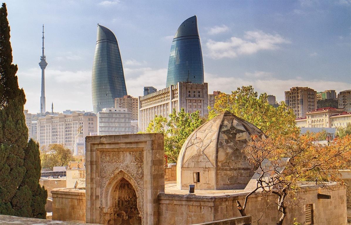 2 день. Обзорная экскурсия по Баку. Факультативная экскурсия Баку вечерний и огненный Янардаг*