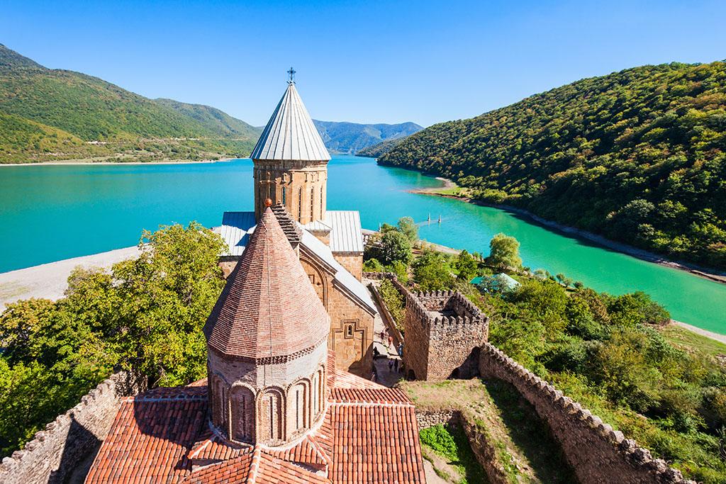 3 день. Свободный день в Тбилиси или факультативная поездка «Под грузинскими небесами».