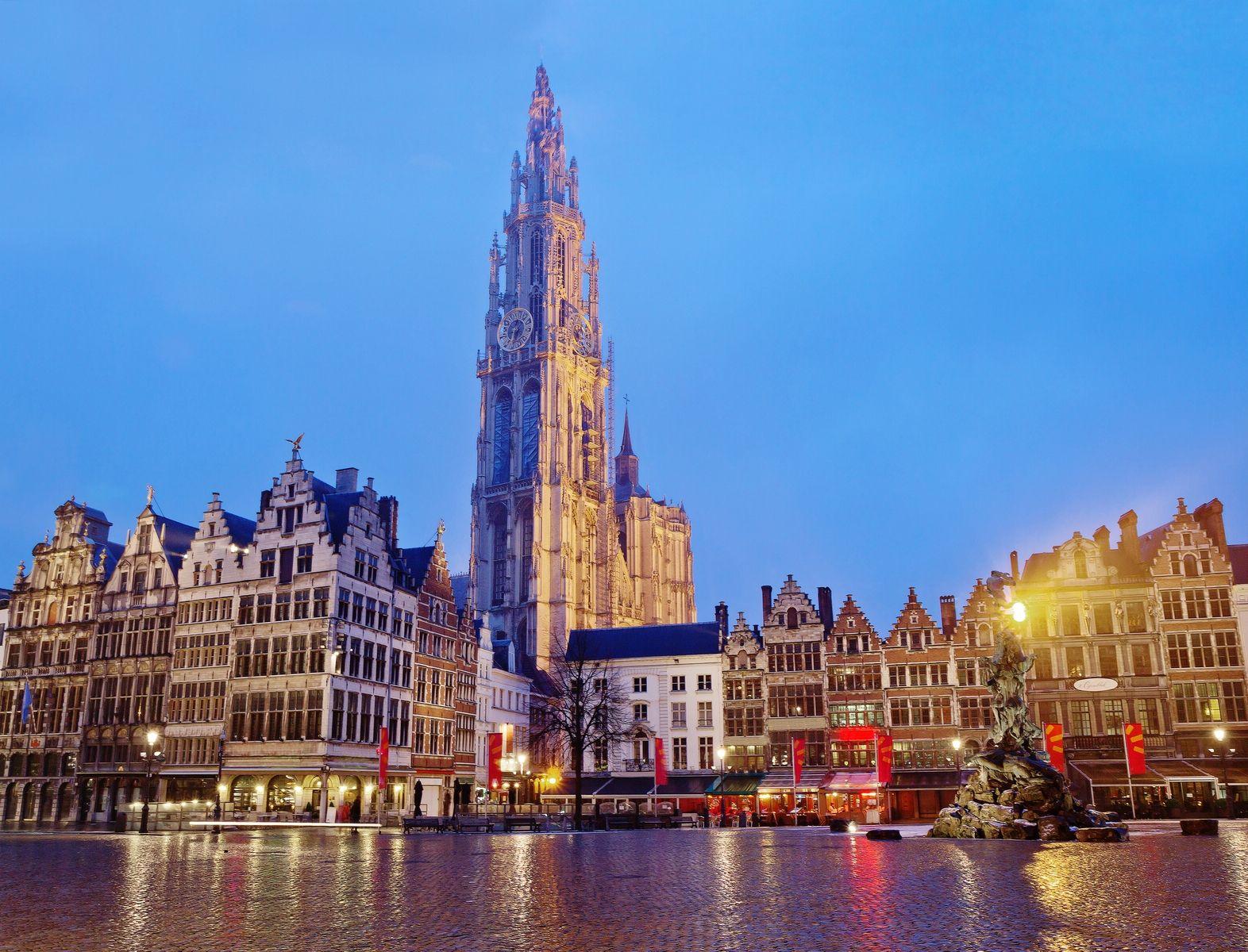 1 день Прилет в Дюссельдорф. Переезд в Антверпен. Размещение в отеле. Вечерняя прогулка.